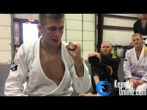 How to Tape Your Fingers for BJJ   KEENANONLINE.COM